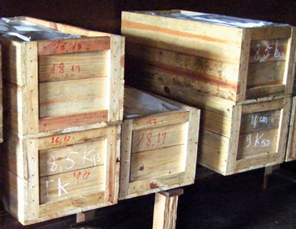 Wooden trunks for storing LAVANY Bourbon Vanilla from Madagascar