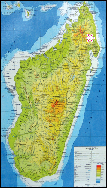 Map of Madagascar and with positioning of the village bush of Betavilona